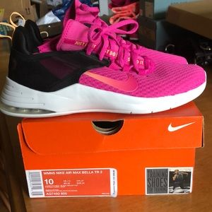 Nike Air Max Bella TR2 size 10